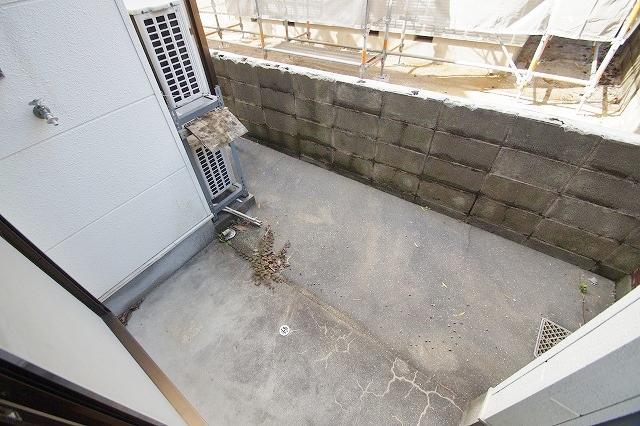 リヴィエール田島 102号室のバルコニー