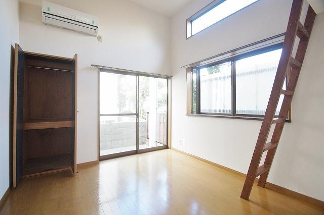 リヴィエール田島 102号室のリビング