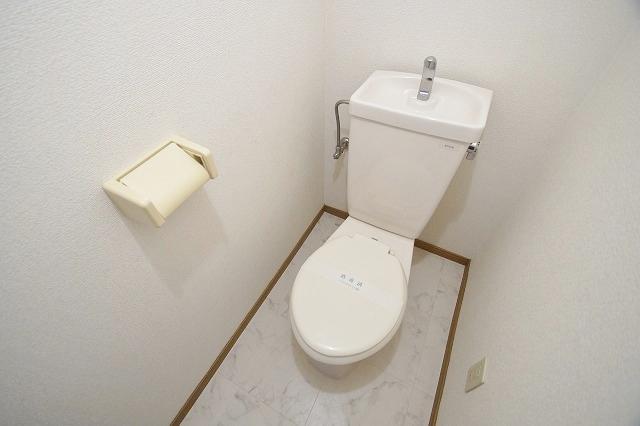 リヴィエール田島 102号室のトイレ