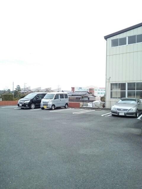 ドリーム ハウス 02030号室の駐車場