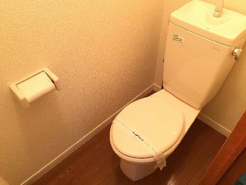 レオパレスヒルズ日野 201号室のトイレ