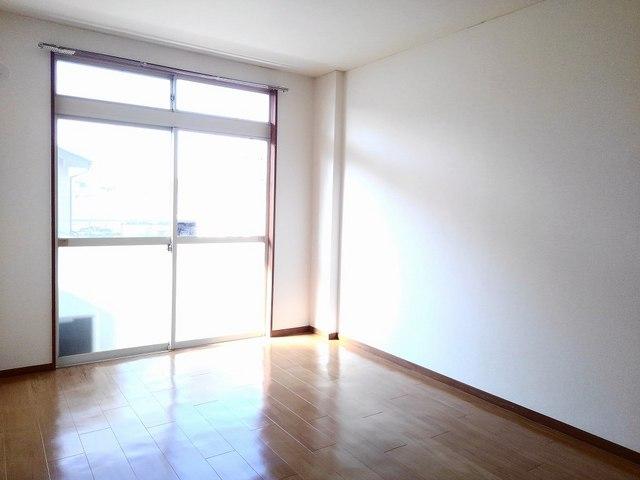 サンライフホリゴメB 02030号室の居室