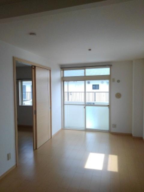 ミューズ松本Ⅲ 02050号室のリビング
