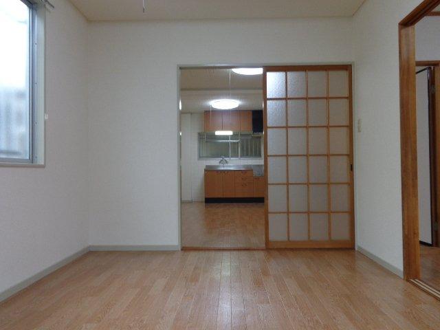 リバティーヒルズ 00103号室の玄関