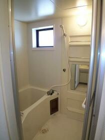 ヴェルデュール宮竹 B101号室の風呂