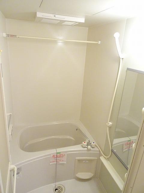 プランタンフルールB 01010号室の風呂