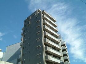 アンベリール新宿の外観