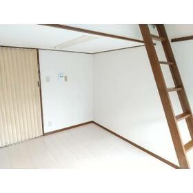 クレセントハイツひばりが丘 202号室のベッドルーム