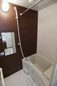 ベイルーム鶴見中央 201号室の風呂