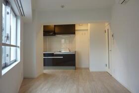 フローディア雪谷 303号室のキッチン