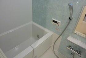 フローディア雪谷 303号室の風呂