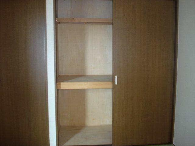 イーストリッチ 208号室の収納