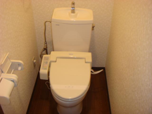 イーストリッチ 208号室のトイレ