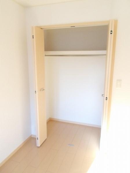 グラン・ソレイユA 01030号室の収納