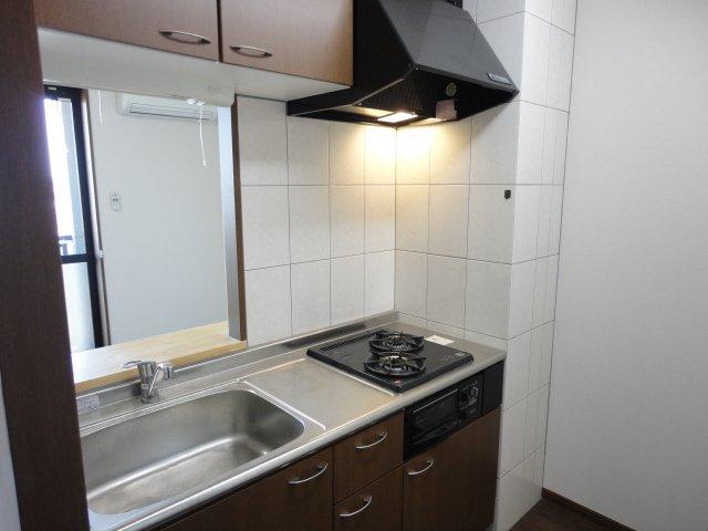 アルーナ エーク 103号室のキッチン