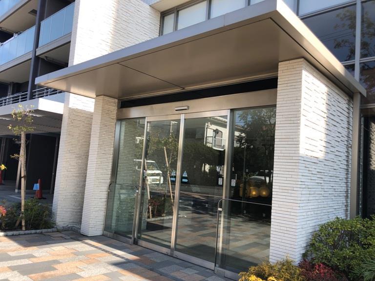 ザ・パークハウス横浜新子安ガーデン 838号室のエントランス