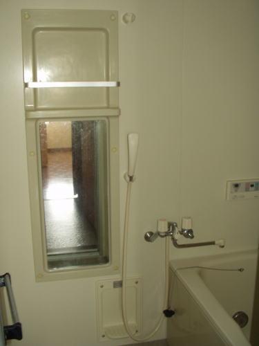 ニュークレストールT・DⅡ 02010号室の玄関