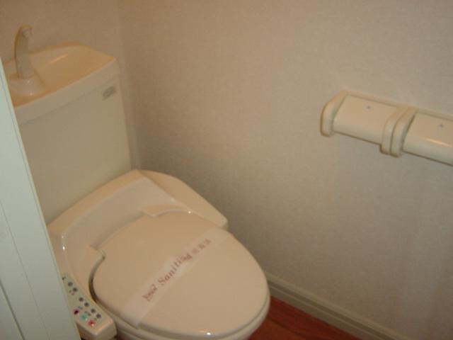 ルーエンハイムA 101号室のトイレ