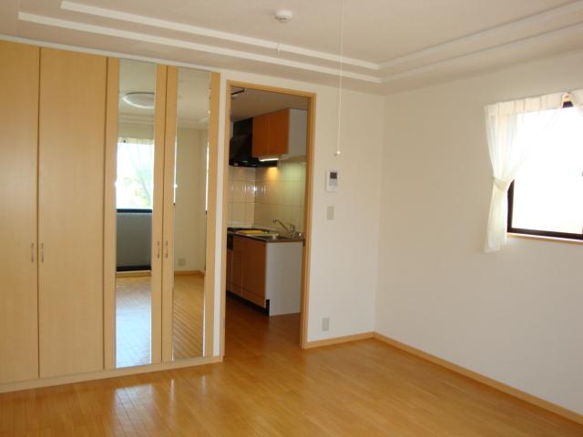 サンライズ桜 101号室の居室
