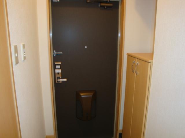 サンライズ桜 101号室の玄関