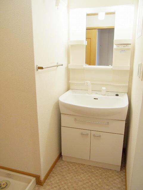 クラーベルⅠ 02030号室の洗面所