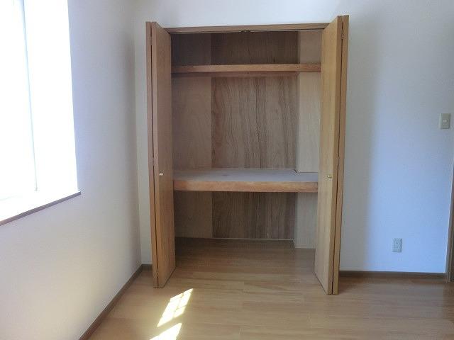 クラーベルⅠ 02030号室の収納