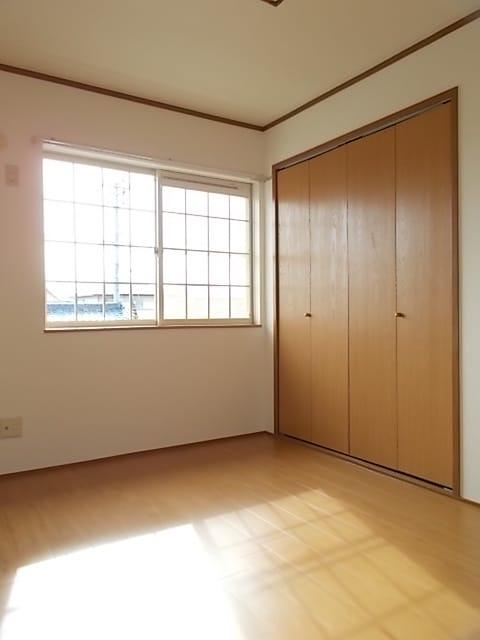 レフィナード・エムA 02020号室の収納