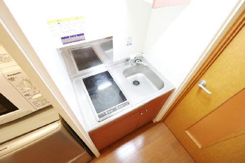 レオパレスForest桂坂 205号室のキッチン