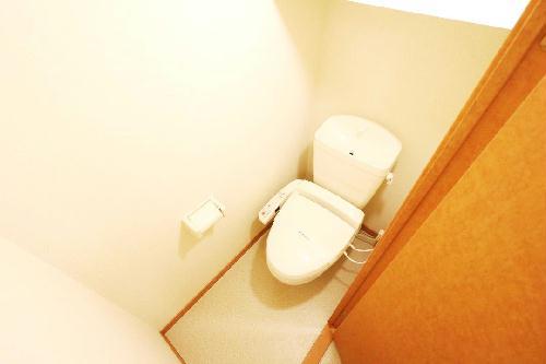 レオパレスForest桂坂 205号室のトイレ