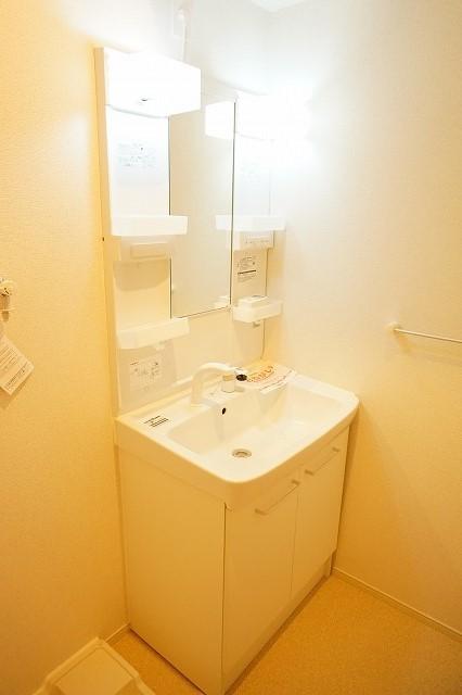 エトワールⅡ A 01020号室の洗面所