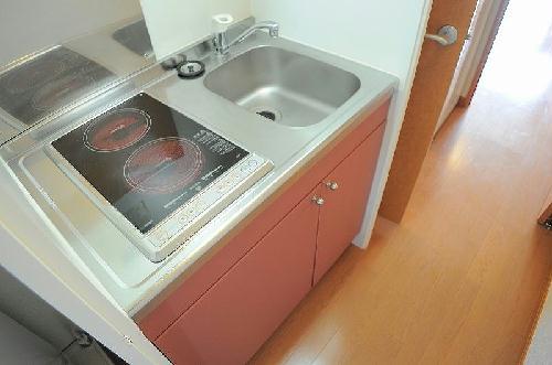 レオパレスウエストⅠ 201号室のキッチン