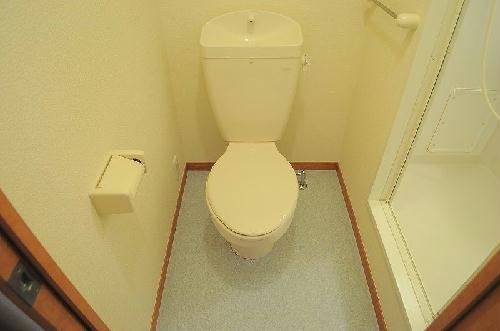 レオパレスウエストⅠ 201号室のトイレ
