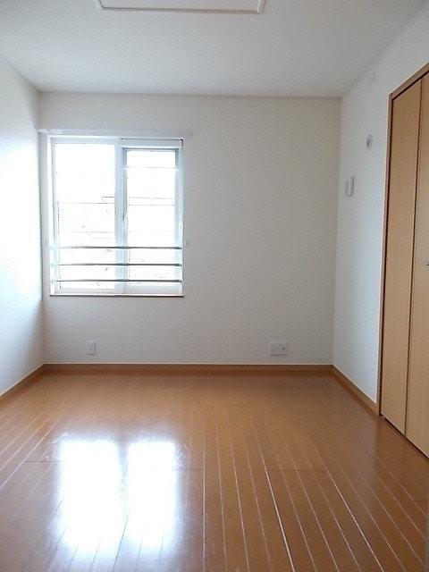 プリムローズN&M B 02010号室の居室