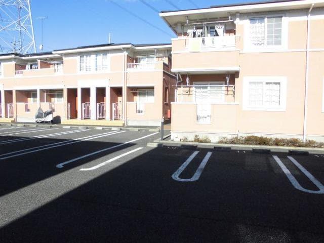 プリムローズN&M B 02010号室の駐車場