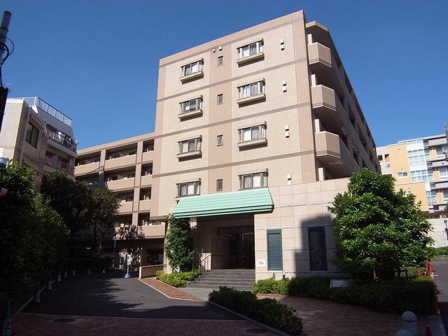 グランハイツ東新宿の外観