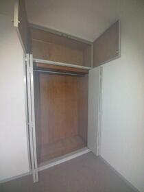 トラストレジデンス本郷台 302号室の収納