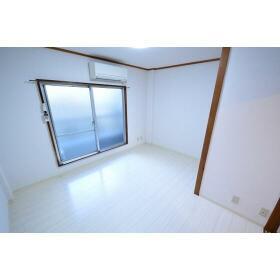 セントラル星ケ丘 00204号室のリビング