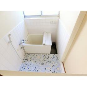 第1鶴巻荘 102号室の風呂
