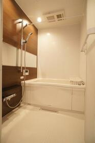 シャーウッドメゾン蒲田 301号室の風呂