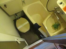 一ツ橋リビング 302号室のトイレ