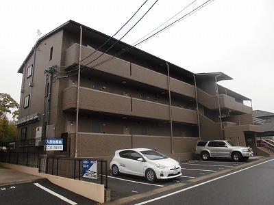 ピュアライフ 302号室の駐車場