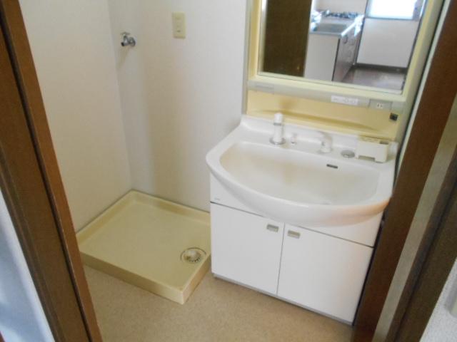 杉本マンション 2-A号室の洗面所