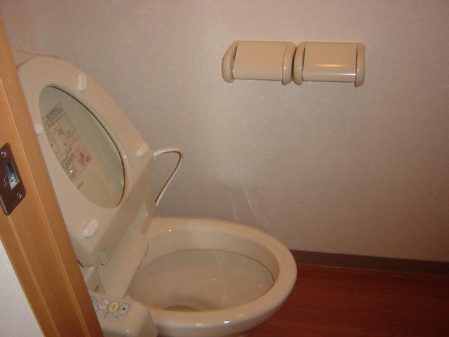 メゾン・ド・アンジュ 102号室のトイレ