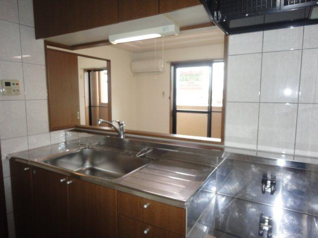 コンフォースB 201号室のキッチン