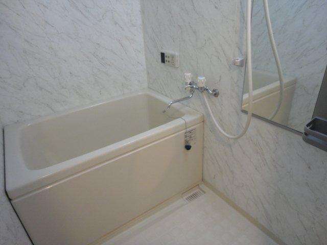 コンフォースB 201号室の風呂