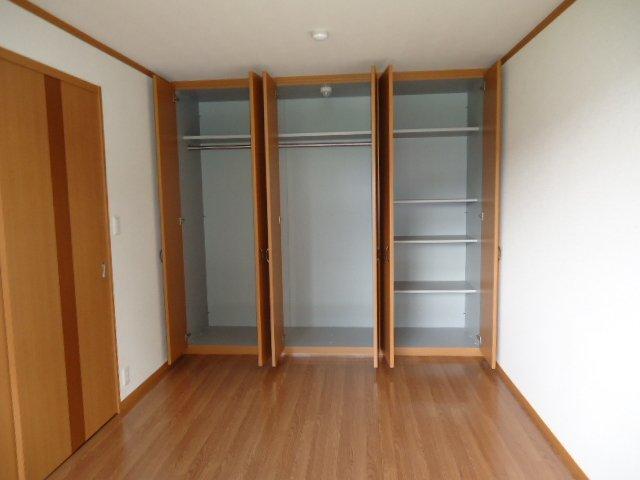 メゾン・ド・アンジュ 202号室の収納