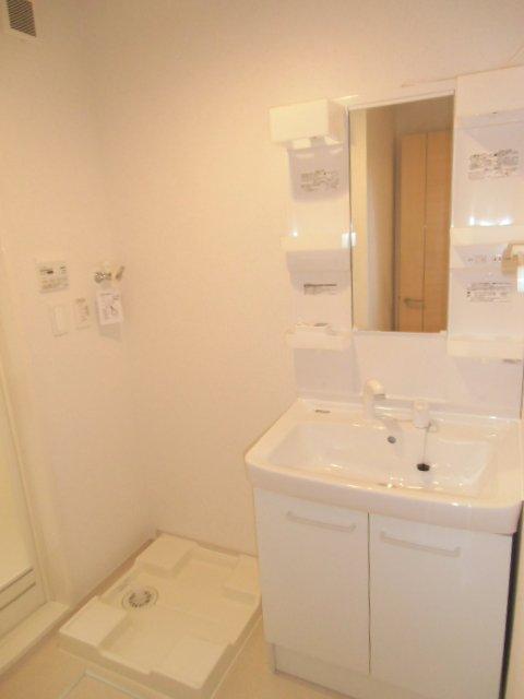 ベルクラントⅡ 02020号室の洗面所