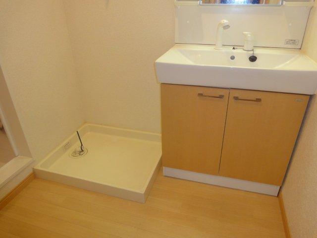 ウエストシティー 201号室の洗面所