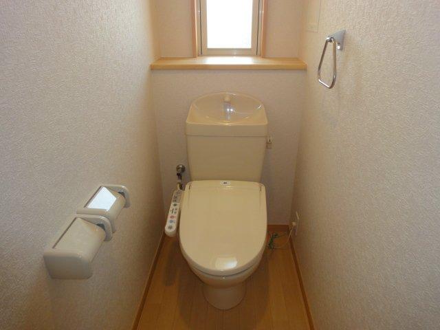 ウエストシティー 201号室のトイレ