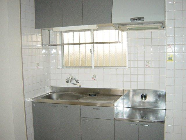 クレストール33 00302号室の玄関